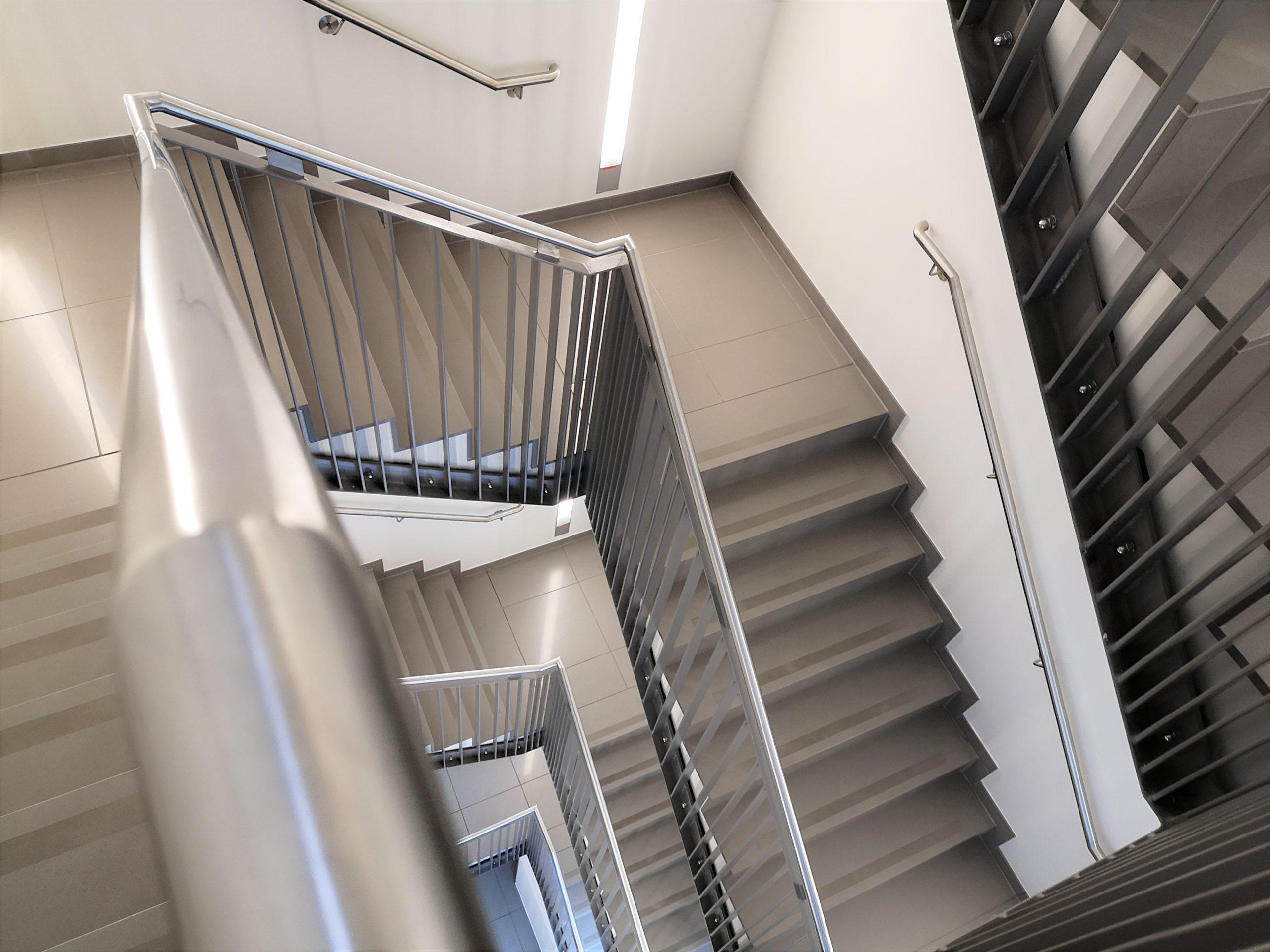 Treppenstufen-Podestbelag-scaled