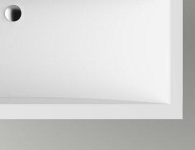 Cuna kann ein rechteckiges Aufsatzbecken sein oder in die Badplatte integriert werden.